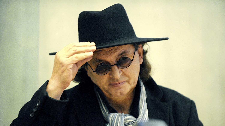 Marc veyrat les confidences d 39 un grand chef for Cuisinier chapeau noir
