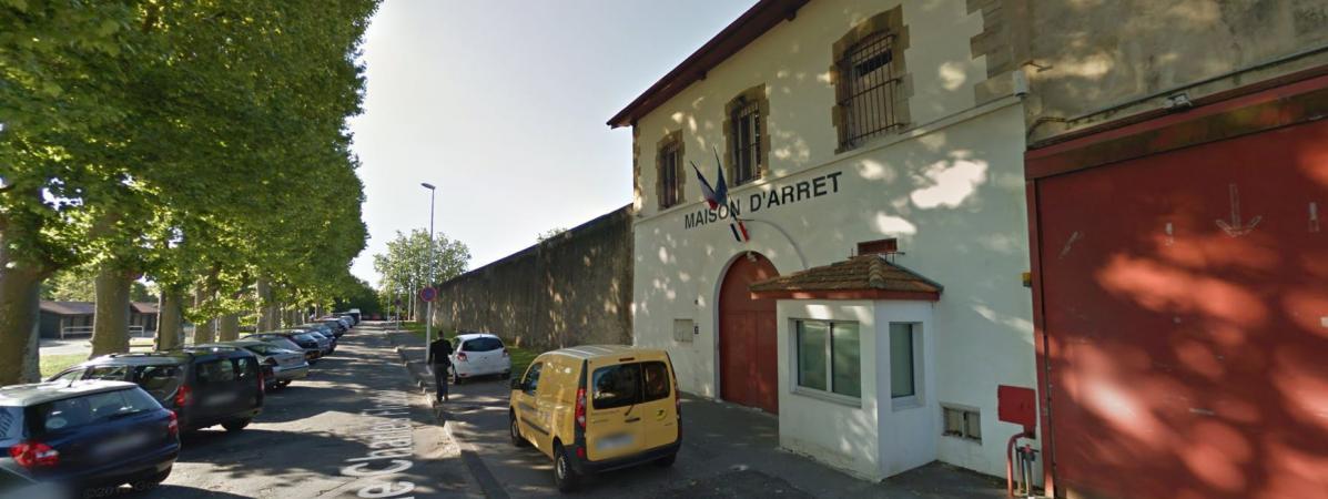 Le directeur de la prison de bayonne suspendu apr s un for Maison sur bayonne