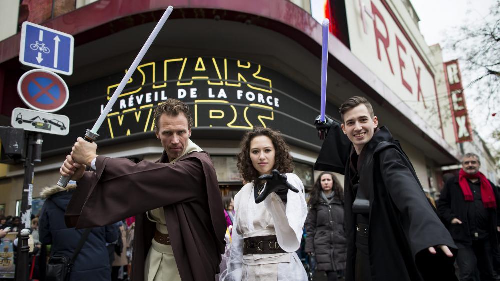 """A la sortie de """"Star Wars"""", les fans ont """"des frissons"""" et """"des étoiles dans les yeux"""" 7515999"""
