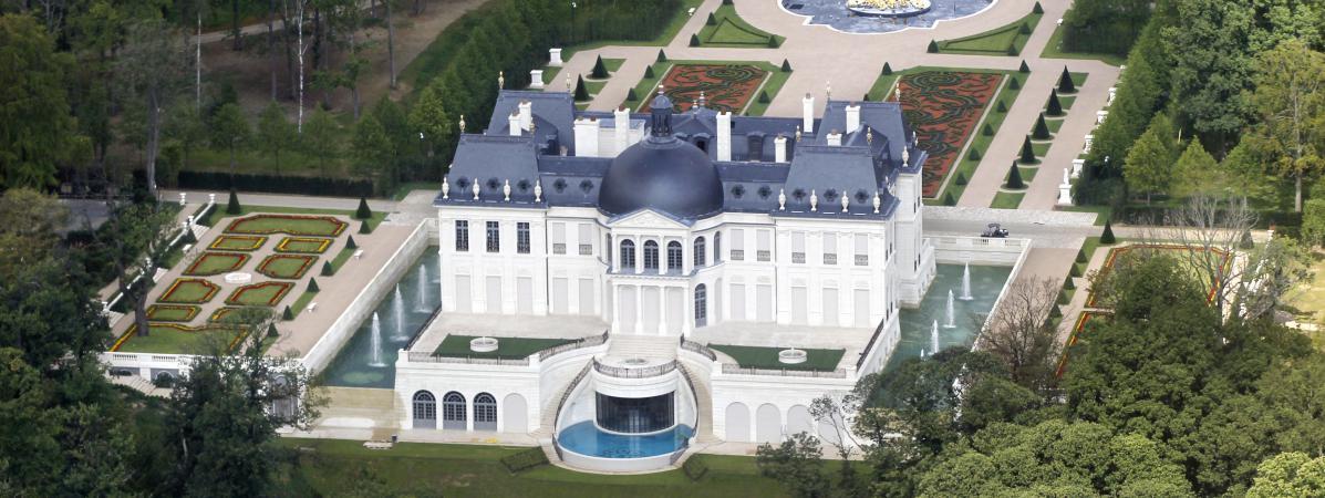 Yvelines un ch teau construit en 2011 devient la demeure for Chateau yveline