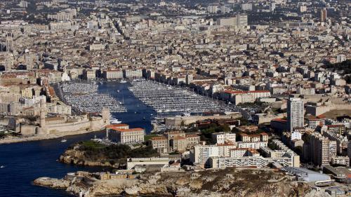 Marseille : le petit commerce en berne face aux centres commerciaux