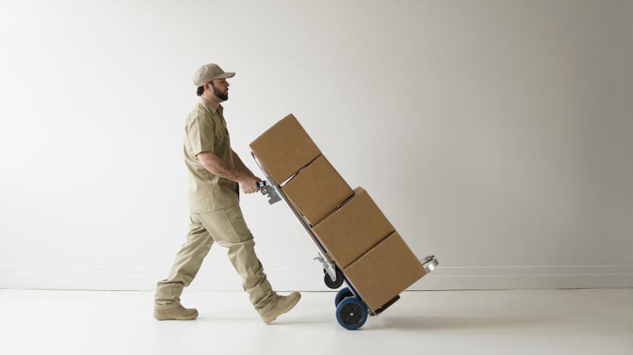 erreur de livraison a la place de ses portes elle re oit des explosifs. Black Bedroom Furniture Sets. Home Design Ideas