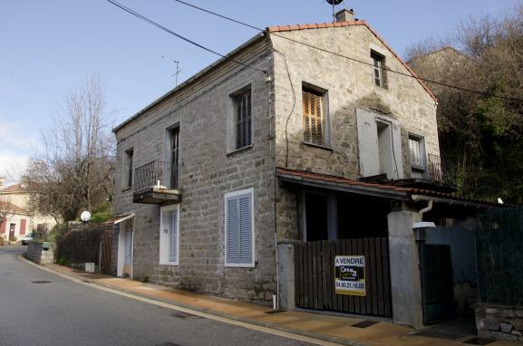 A cuttoli corticchiato les corses en ont marre de voir for Acheter une maison dans le sud de la france