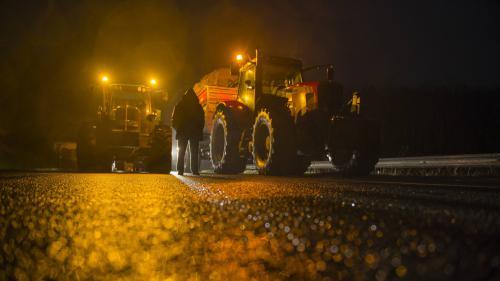 Crise des agriculteurs : les éleveurs font des contrôles de camions