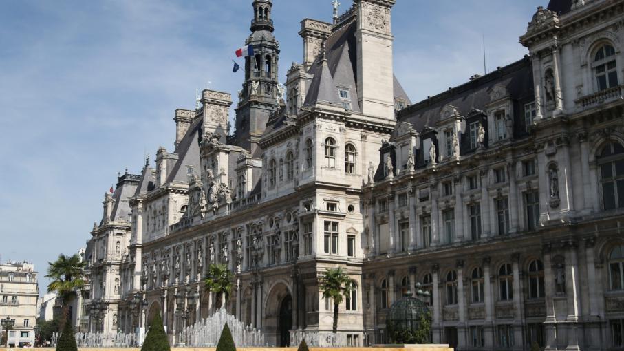 paris anne hidalgo veut un seul maire pour les quatre premiers arrondissements de paris. Black Bedroom Furniture Sets. Home Design Ideas