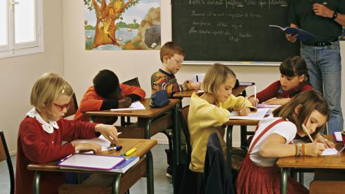 Rythmes scolaires : les parents divisés sur le retour de la semaine de quatre jours