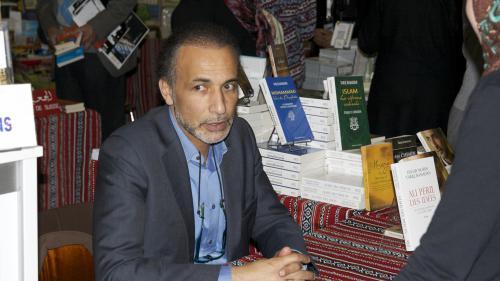 Mis en examen pour viols, Tariq Ramadan est retourné lundi soir en détention