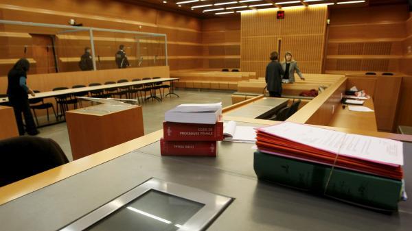 Isère : Bernadette Dimet, jugée pour avoir tué son mari, n'ira pas en prison