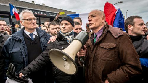 Arrestations après la manifestation anti-migrants à Calais :