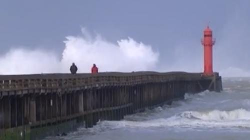 Alerte orange vagues-submersion : des dégâts matériels en Normandie