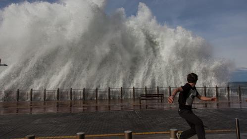 L'ouest de la France frappé par des vents violents