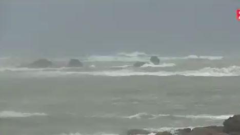 VIDEO. Finistère : le sauvetage par des passants d'un couple de retraités emportés par la mer