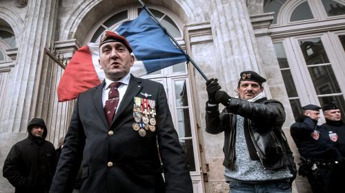 Audience chahutée au procès des manifestants anti-migrants de Calais