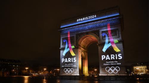 Jeux olympiques 2024 : Paris dévoile son logo de candidature sur l'Arc de Triomphe