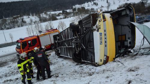 Accident dans le Doubs : une marche en hommage aux deux adolescents décédés