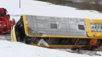 Accident d'un bus scolaire dans le Doubs : le bus roulait entre 75 et 79km/h