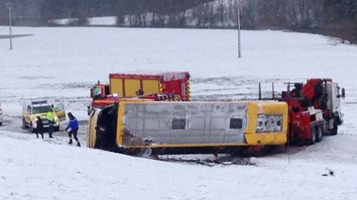 DIRECT. Deux collégiens sont morts dans l'accident d'un car scolaire dans le Doubs