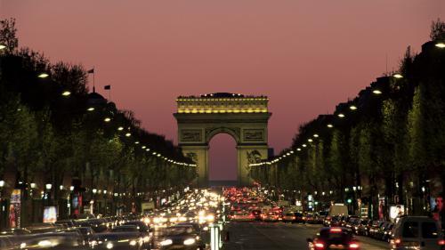 Paris : l'accueil des touristes est à revoir