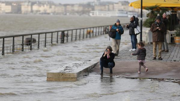 Tempête Ulrika : d'importants dégâts sur la côte atlantique