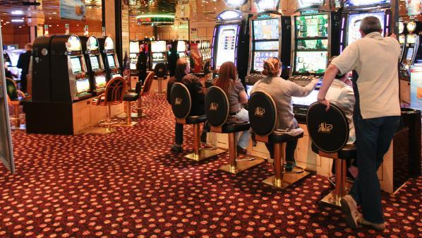 VIDEO. Braquage au casino d'Aix-en-Provence : les clients terrorisés