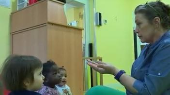 Le langage des signes peut s'apprendre très tôt