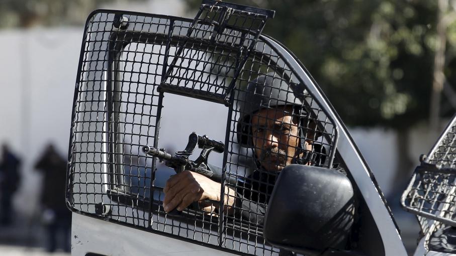 tunisie dix djihadistes et un soldat tu s la fronti re libyenne. Black Bedroom Furniture Sets. Home Design Ideas