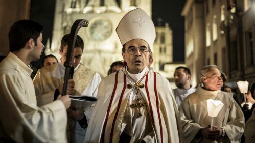 Pédophilie : quatre prêtres relevés de leur ministère