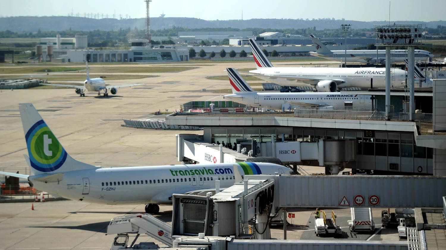 Air France 447 - New theory on what caused plane crash killing 228 Air france wreckage photos