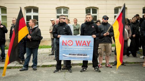 Allemagne : un responsable néo-nazi secouru par deux réfugiés syriens