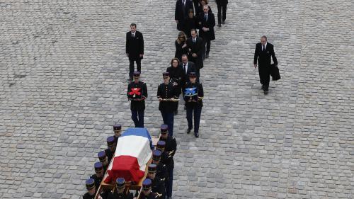 VIDEO. Mort de Charles Aznavour : quelles différences entre obsèques nationales et deuil national ?
