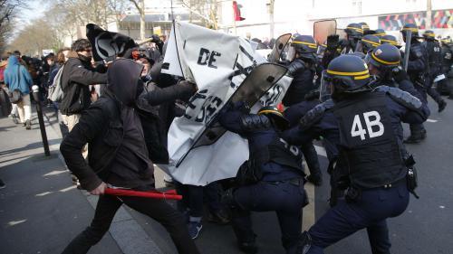Loi Travail : la droite hausse le ton après les violences