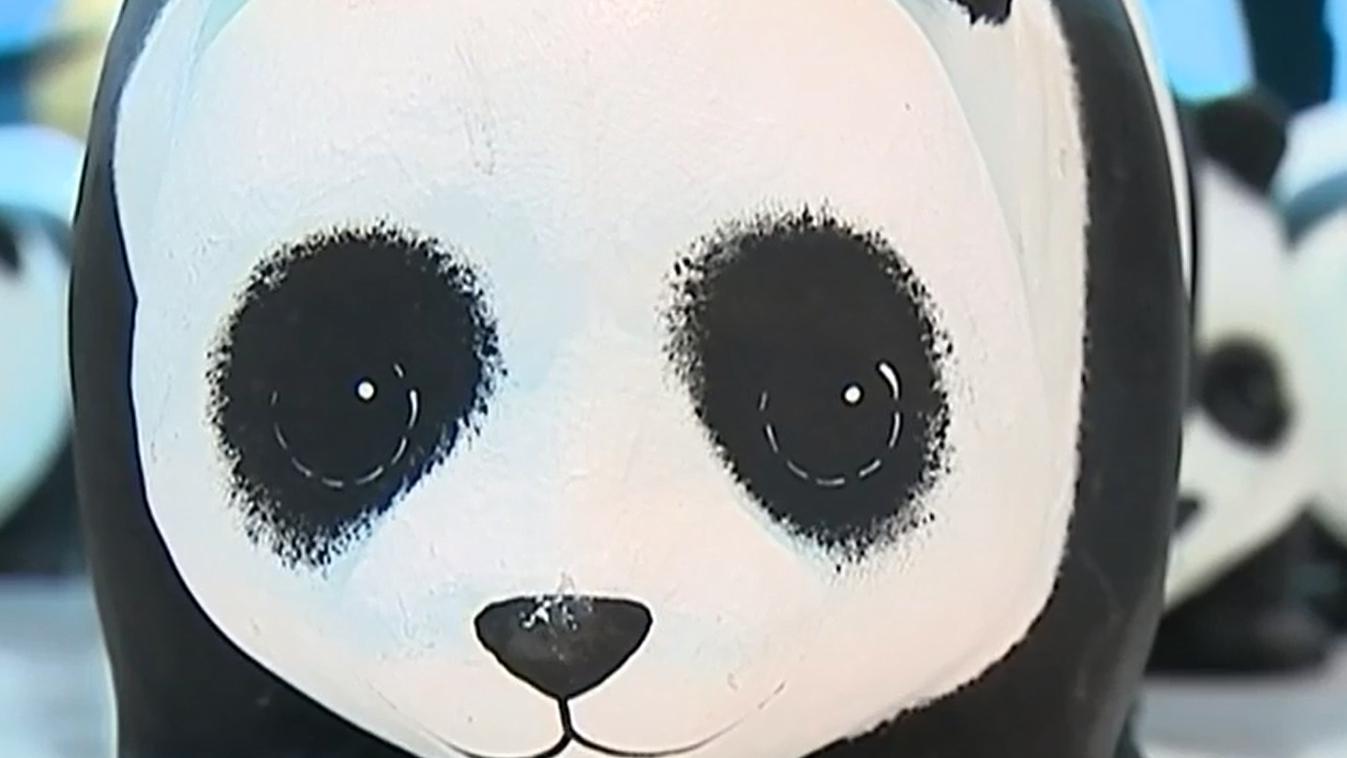 exposition 1 600 pandas adopter pour la bonne cause. Black Bedroom Furniture Sets. Home Design Ideas