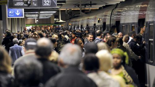Grève à la SNCF : un TGV et un Transilien sur deux en moyenne, quatre TER sur dix et un Intercités sur trois