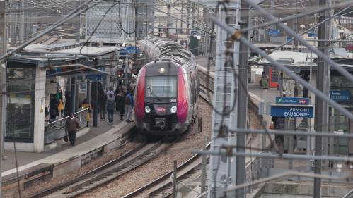 Grève SNCF: fortes perturbations, RER C et D les plus touchés