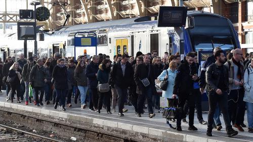 DIRECT. Mobilisation à la SNCF : 23,9% de grévistes selon la direction, 50% selon les syndicats