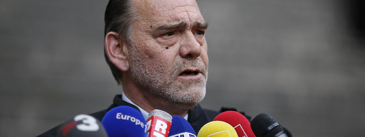 Frank Berton, le nouvel avocat français de Salah Abdeslam, devant le Palais de justice de Paris, le 27 avril 2016.