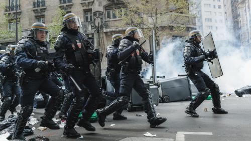 1er-Mai : les consignes de Cazeneuve aux préfets pour éviter les débordements