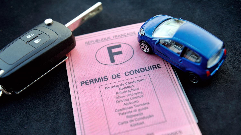 Des personnalit s cit es dans un vaste trafic de permis de - Bureau des permis de conduire de la prefecture de police ...