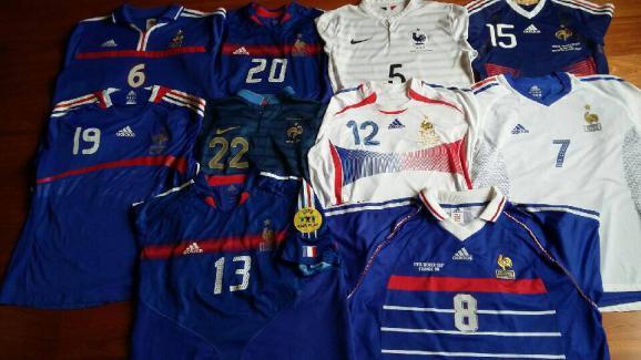 7db56f15a5b169 Etre collectionneur de maillots de l'équipe de France, une sacrée ...