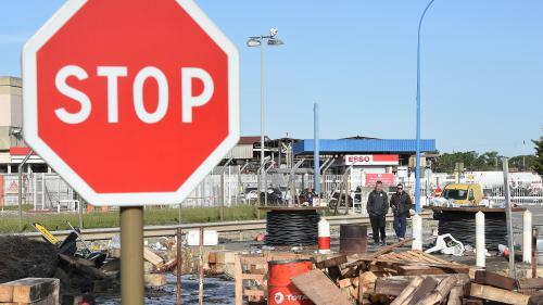 DIRECT. Une voiture force un barrage de manifestants à Fos-sur-Mer et blesse gravement un militant CGT