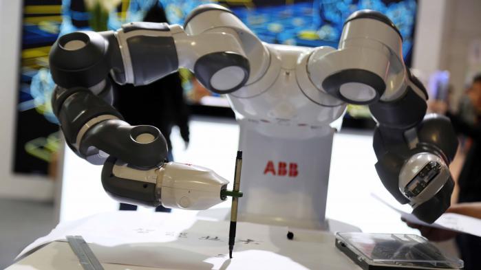 L'Angle éco. Les robots vont-ils nous voler nos boulots ?