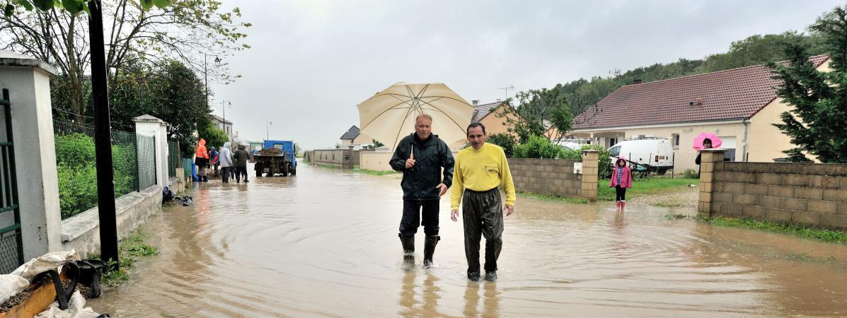 Dans l'Yonne, les intempéries ont provoqué des inondations dans le village de Beaumont, lundi 30 mai 2016.