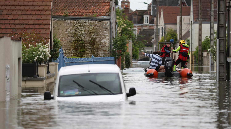Info france 2 inondations une femme de 86 ans retrouv e - Son et video champigny sur marne ...