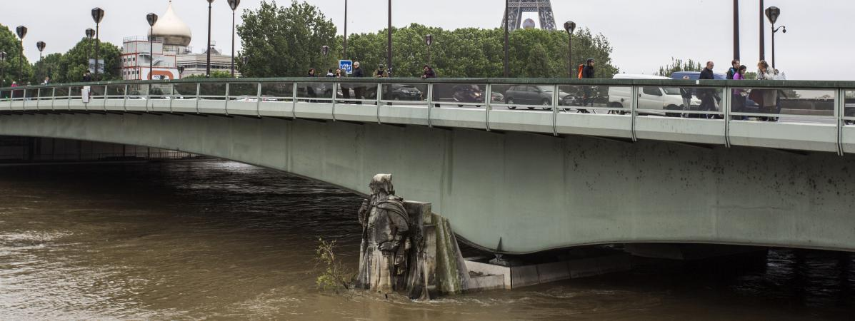 En Images Inondations Paris A Les Pieds Dans L Eau