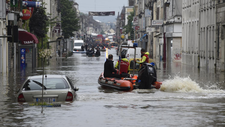 Inondations 224 Nemours L Ampleur Des D 233 G 226 Ts