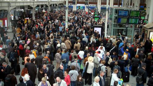 Vacances : des milliers de passagers dans les gares
