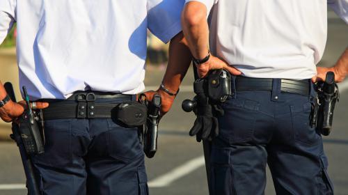 nouvel ordre mondial | Sarcelles : des questions autour du port d'arme des policiers en dehors de leur service