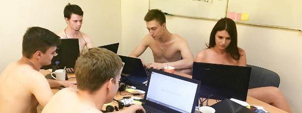 Des salariés de l'entreprise biélorusse IRM Creative.