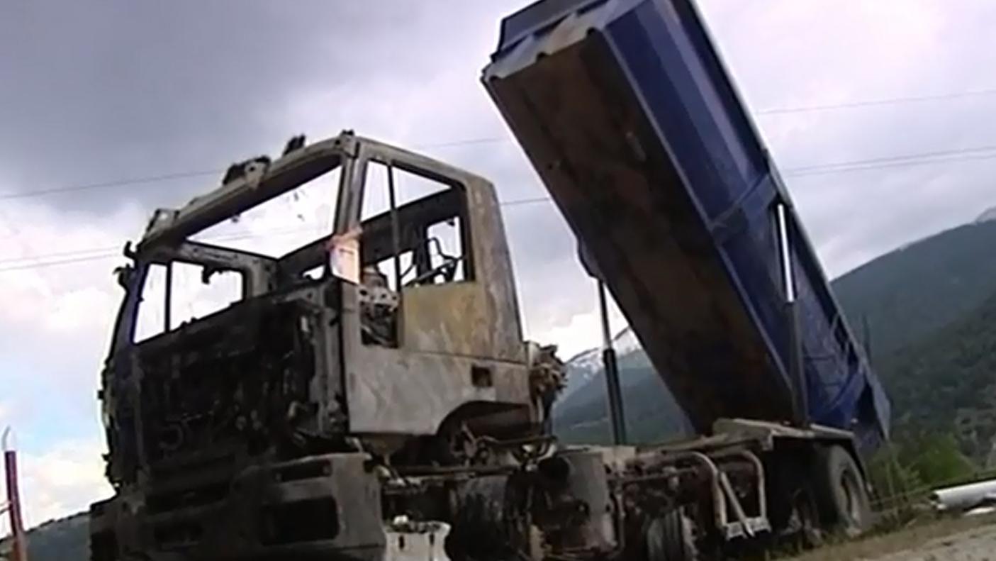 Savoie deux morts lectrocut s apr s le contact entre un - Camion benne americain ...