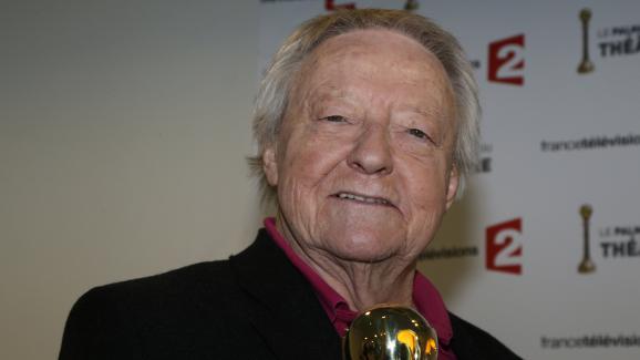 """Roger Dumas a reçu le """"coup de cœur"""" lors duPalmarès du théâtre, le 28 avril 2013, pour""""L'étudiante et Monsieur Henri""""."""
